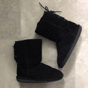 2/$50✨ BEARPAW • Elizabeth Short Lace Up Boots
